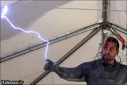 image اتصال یک مرد انگلیسی به جریان برق شهری به مدت ۷۲ ساعت