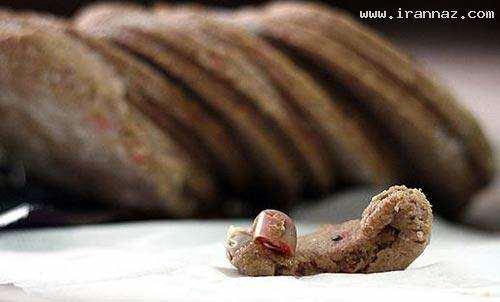 image عکس انگشت بریده دست یک آدم در همبرگر