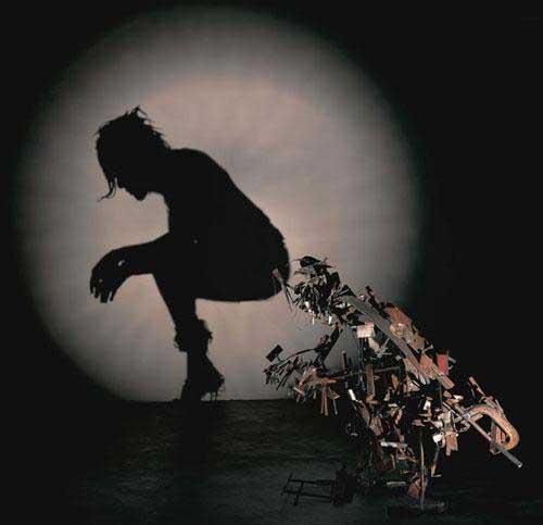 image خلق آثار هنری با استفاده از زباله های دور ریختنی