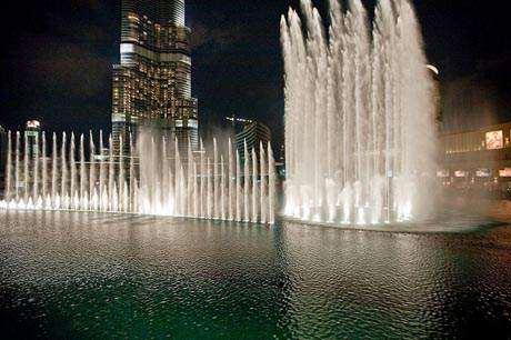 image عکس های زیبا ا زفواره های آبی و آب نماهای معروف دبی