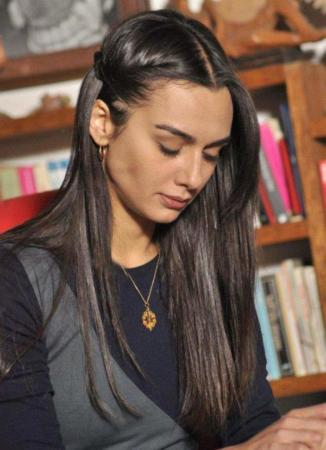 عکس, بازیگر نقش حوا در سریال شمیم عشق