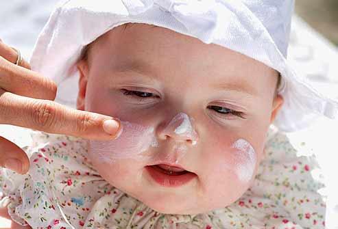 image توصیه های برای مراقبت از پوست نوزاد تازه متولد شده