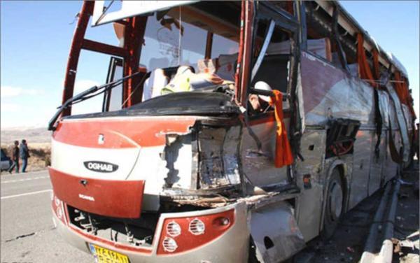 image عکس های وحشتناک سقوط اتوبوس بازیکنان فوتبال مس سرچشمه به دره