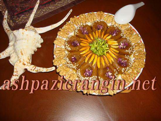 image عکس های تزیین حلوا به شکل گل های زیبا با بادام و پسته