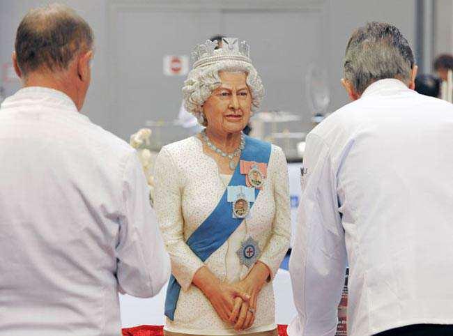 image, مجسمه شکری ملکه انگلیس در نمایشگاه غذا و آشپزی در ارفورت آلمان