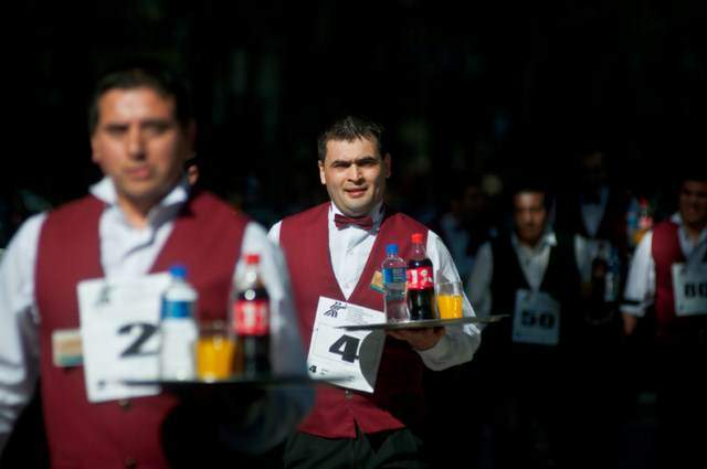 image مسابقه مهارت گارسون های آرژانتینی در بوینوس آیرس