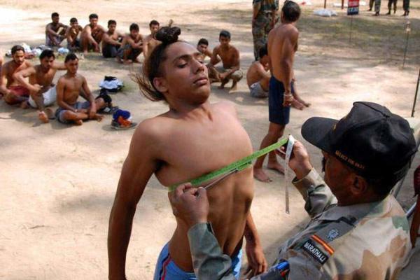 image مرکز بررسی شرایط جسمی داوطلبان استخدام در ارتش هند