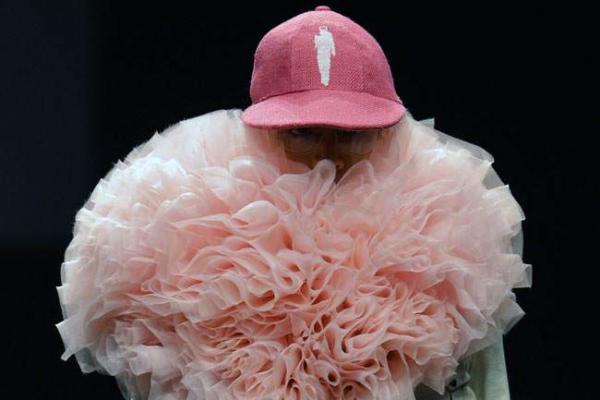 image مدل ابتکاری طرح گل در مدرسه طراحی لباس توکیو