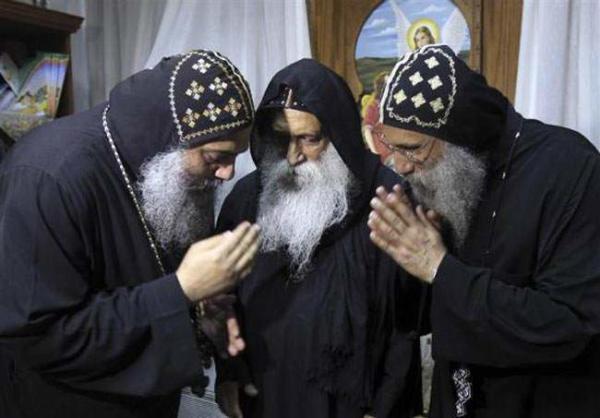 image اسقف های قبطی مصر در کلیسای قبطی ها در قاهره