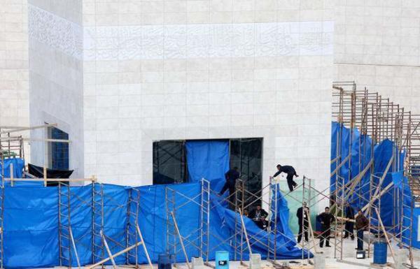 image شکافتن قبر عرفات ۸ سال پس از مرگش برای بررسی احتمال مسموم شدن