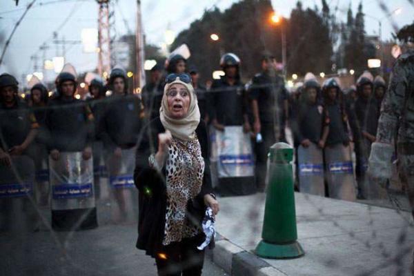 image ادامه اعتراضات به پیش نویس قانون اساسی جدید مصر در قاهره