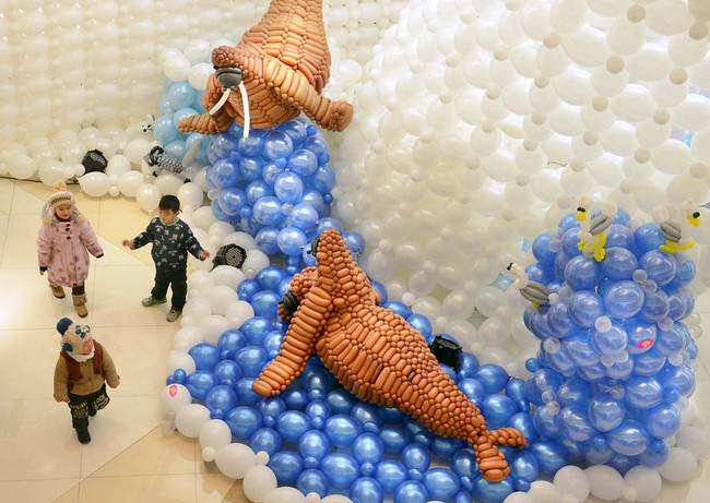 image فستیوال بالن در ژنگژو چین