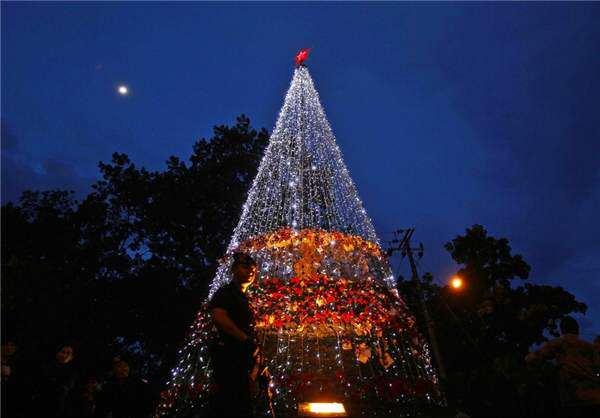 image عکس های زیبا از برگزاری جشن کریسمس  در شهر های بزرگ دنیا