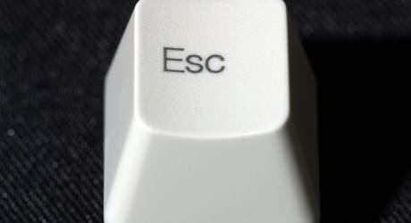 image دکمه Esc در صفحه کلید کامپیوتر چه کاربردی دارد