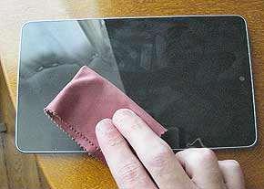 image راهنمای کامل تمیز کردن و نظافت تلفن همراه