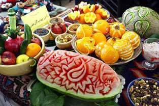 image برای شب یلدا چطور سفره را تزیین کنیم
