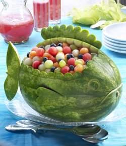image, مدل تزیین جدید و شیک هندوانه به شکل ماهی برای شب یلدا
