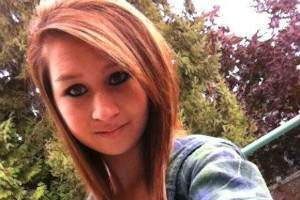 image فیلم خودکشی آماندا تاد ۱۵ ساله امریکایی در اینترنت