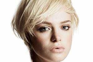 image ترفندهای آرایش حرفه ای برای خانم ها با صورت گرد