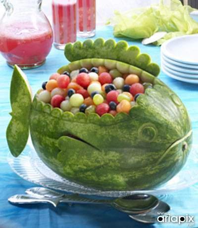 image تزیین هندوانه شب یلدا شکل ماهی سبد میوه