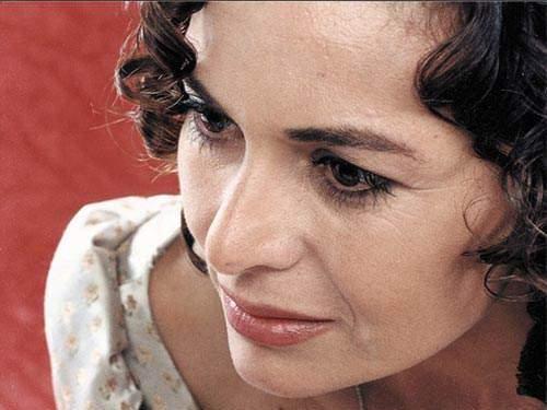 image زمرد تاشکیران در سریال عمر گل لاله تصاویر زندگینامه