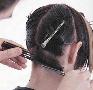 image آموزش جالب و عکس به عکس کوتاه و مرتب کردن موی چتری زنانه