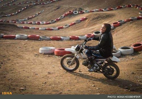 image تصاویری زیبا از موتورسورای خانم ها در مسابقات موتورسواری