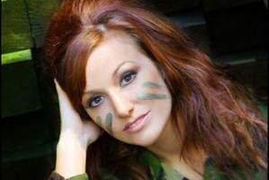 image عکس جنجالی ترین سرباز زن انگلیسی