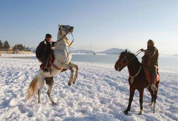 image دریاچه یخزده قرقا در کابل