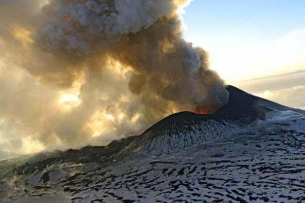 image فعالیت آتشفشان شبه جزیره کامچاتکا در روسیه