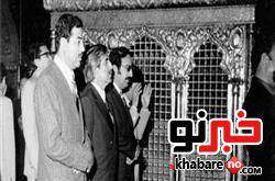 image عکس نماز خواندن صدام حسین ملعون در حرم امام رضا علیه السلام