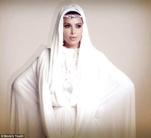 image عکس دیدنی کیم کارداشیان با لباس و حجاب عربی