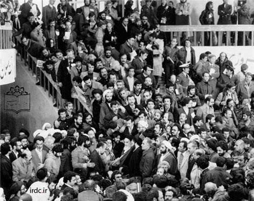 image عکس های بی نظیر از امام خمینی در ۲۲ بهمن ۵۷(ره)