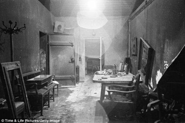image عکس اتاقی که هیتلر معروف در آن خودکشی کرده