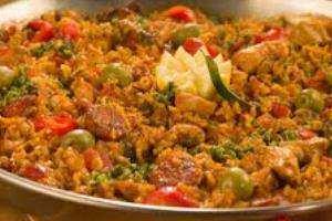 image آموزش پخت برنج و مرغ اسپانیایی برای مجالس