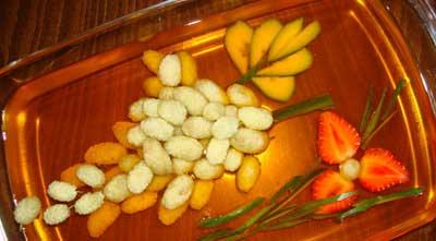 image شیک ترین مدل تزیین ژله به شکل انگور و شاخه گل