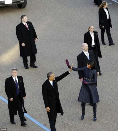 image تصاویر بادیگارد زن اوباما