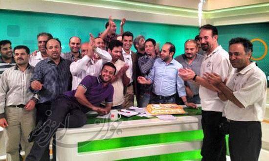 image تصویری جشن تولد عادل فردوسی پور در برنامه زنده ۹۰