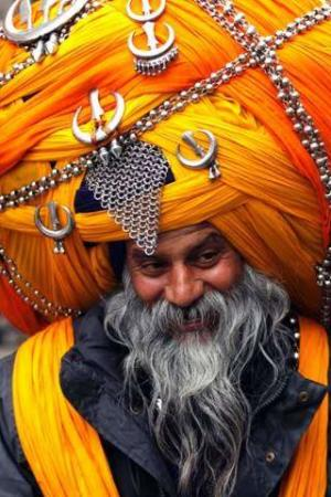 image یک مرد سیک هندی از قبیله نیهانگ