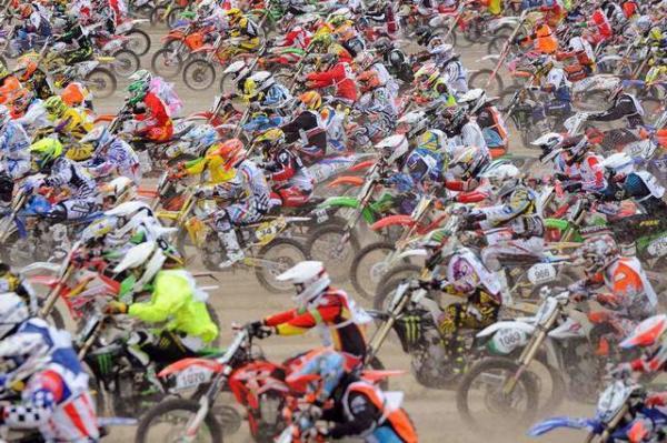 image مسابقات موتورسواری در فرانسه