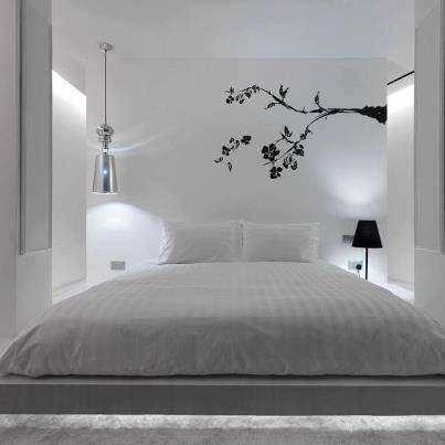 image طراحی زیبای اتاق خواب ترکیب رنگ سفید و روشن