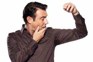 image علت عرق بد بوی بدن چیست