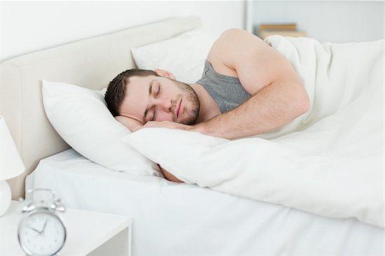 image خواب دیدن در چه ساعتی از شب تعبیر می شود