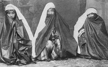 image عکس دیدنی از زنان ایرانی در دوره قاجار