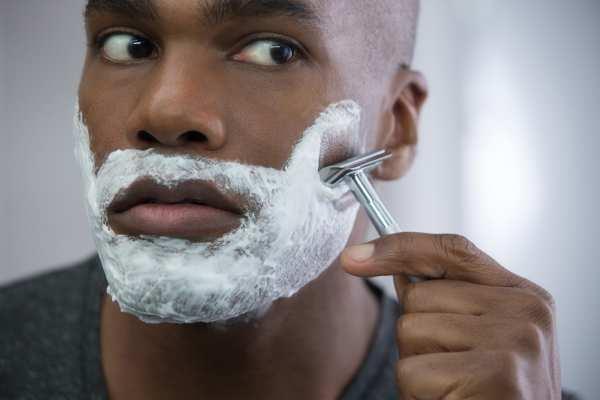 image آموزش نحوه شستن صورت آقایان برای اصلاح صورت