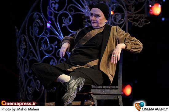 image, عکس دیدنی گلاب آدینه در لباس مردانه