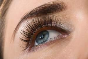 image آموزش راه های داشتن چشم هایی زیبا و براق