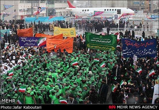 image عکس های زیبای گلباران تمثال امام خمینی (ره) ۱۲ بهمن مشهد