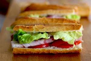 image ساندویچ های آماده مضر برای سلامتی یا نه