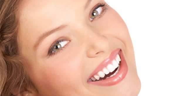 image, ترفندی عالی برای داشتن دندان های سفید و براق